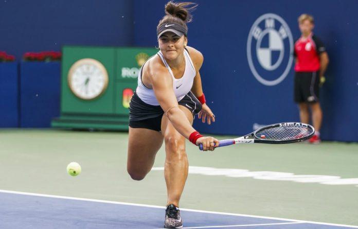 Bianca Andreescu a învins-o pe Kiki Bertens în optimile turneului de la Toronto