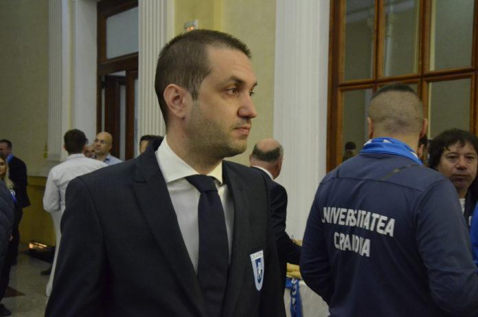 Ovidiu Costeşin şi ceilalţi oficiali ai Ştiinţei speră ca UEFA să aplice sancţiunea după meciul cu AEK Atena (Foto: Alex Vîrtosu)