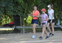 Ingrid Radu iubeşte tenisul şi se simte extraordinar în preajma elevelor sale (Foto: Alex Vîrtosu)
