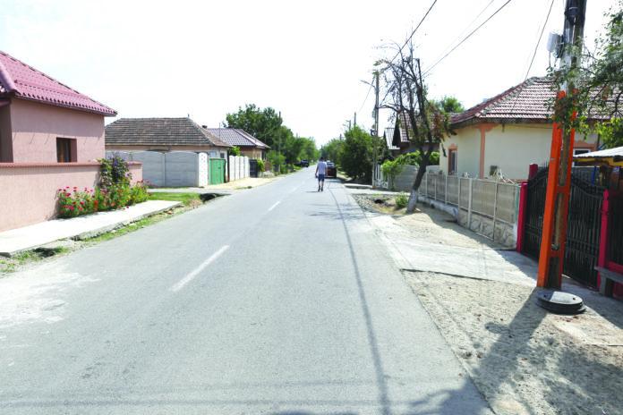 Îmbunătăţirea infrastructurii rutiere a constituit o prioritate pentru autorităţile locale din comuna Malu Mare