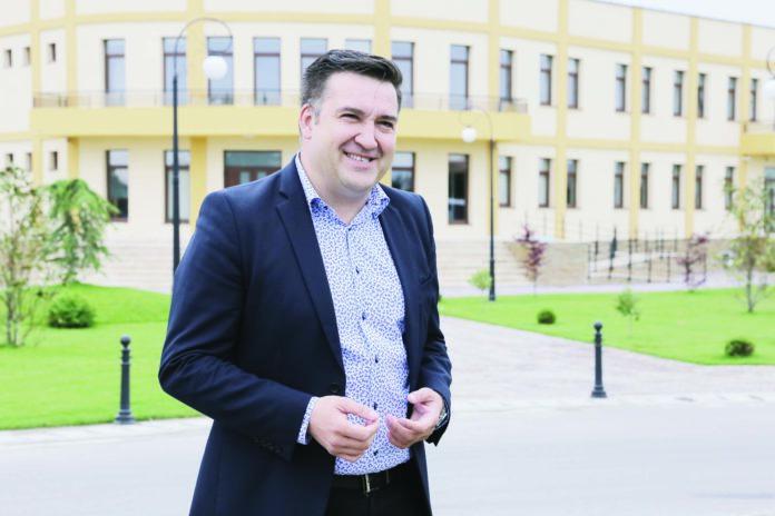 Ovidiu Flori, primarul comunei Işalniţa