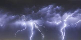Informare meteo de vijelii și ploi torențiale, valabilă până vineri dimineață