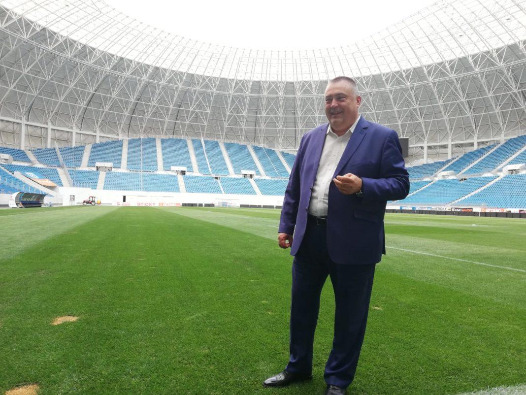 """Primăria Craiova, bună de plată pentru noul gazon de pe """"Oblemenco"""""""