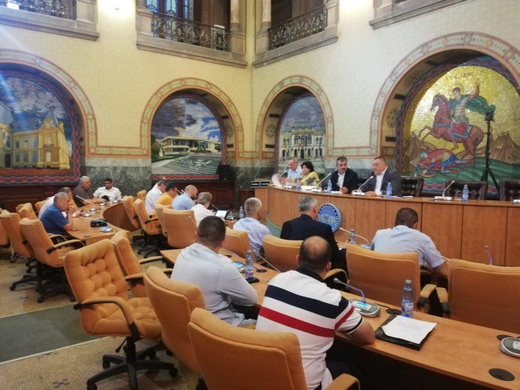 La şedinţa extraordinară de ieri a Consiliului Local Craiova au fost prezenţi doar 15 consilieri locali