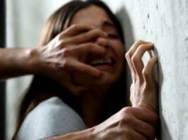 Fetiţă de 7 ani, violată de tatăl său, în timp ce mama sa era plecată din ţară