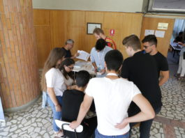 La Facultatea de Automatică şi Calculatoare, la probă srisă pentr admitere, candidaţii au obţinut 8 medii de zece.