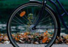 Un biciclist băut a ajuns la spital după ce a căzut