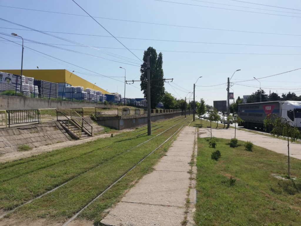 Calea de tramvai de pe strada Henry Ford
