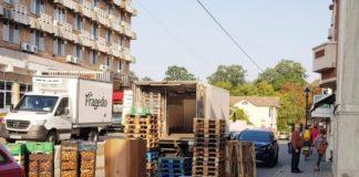 Supermarket amendat pentru că a blocat Calea Eroilor din Târgu Jiu