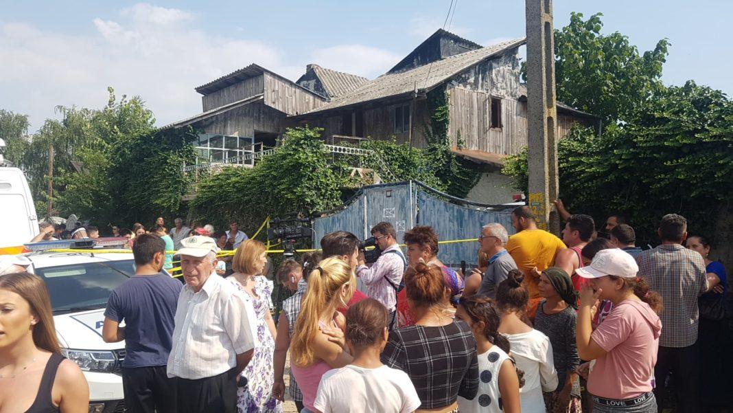 În dimineaţa zilei de 26 iulie, oamenii legii au descins la locuinţa suspectului