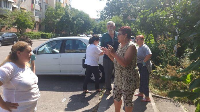 Locatarii din blocul 42IV din Brazda lui Novac contra vecinei de la apartamentu 5