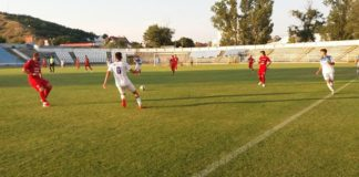 Slătinenii (în roşu) se pregătesc pentru debutul în Liga a III-a (Foto: facebook CSM Slatina)