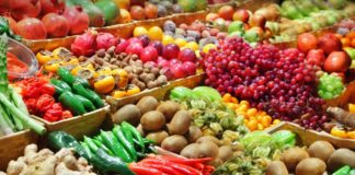 Razie printre comercianţii de legume-fructe