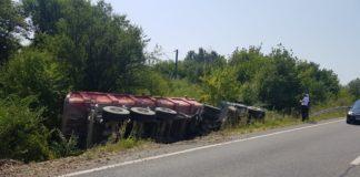 Un autotren s-a răsturnat la Bumbeşti Jiu