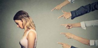 Cum să te descurci cu un coleg de serviciu care te agresează
