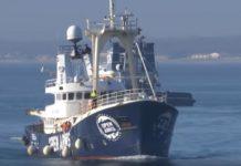 România, dispusă să preia din imigranții de pe o navă care are interzis să acosteze în Italia