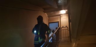 Incendiul provocat de bărbatul de 32 de ani a fost stins de pompierii doljeni.