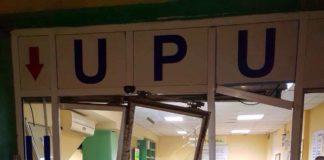 Maşina scăpată de sub control a trecut prin uşile UPU şi a ajuns până lângă biroul de Triaj