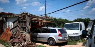 Anchetatorii au ridicat mașinile din curtea lui Gheorghe Dincă