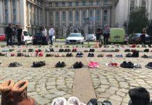 Pantofi depusi in fata MAI (Foto stirileprotv.ro)