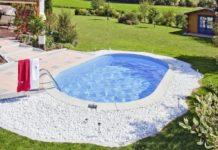 O fetiță de 3 ani a murit înecată în piscina din curtea locuinței