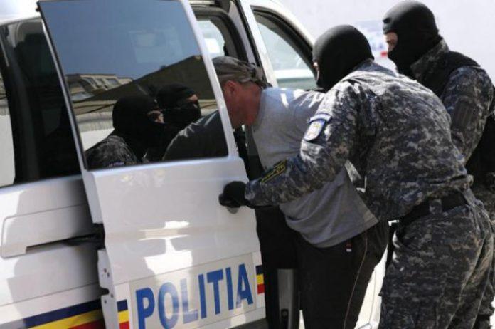 Poliţiştii au prins la timp un șofer din Bucureşti care a vrut să-și arunce în aer mașina