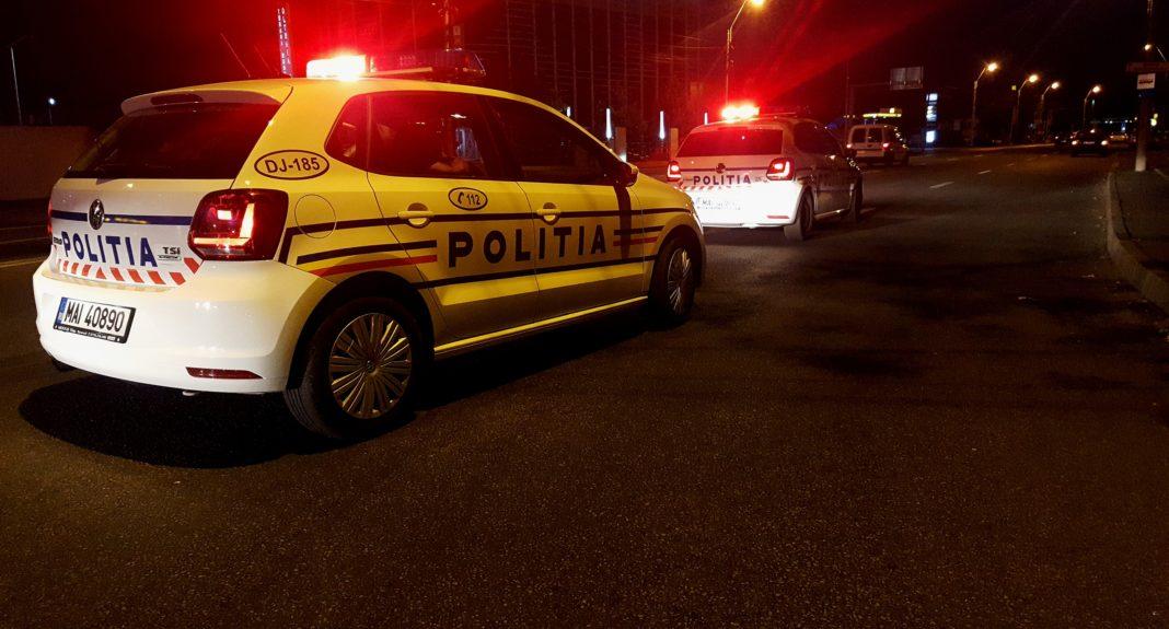 Controale pe bandă rulantă ale poliţiştilor doljeni, în cadrul unei acţiuni pentru combaterea ilegalităţilor şi prevenirea accidentelor