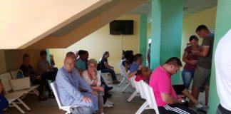 Amenzi pentru medicii și spitalele care lasă pacienții de la urgențe să aștepte cu orele pe hol