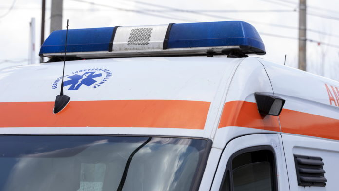 Accident între un autobuz și un autoturism, pe DN 69