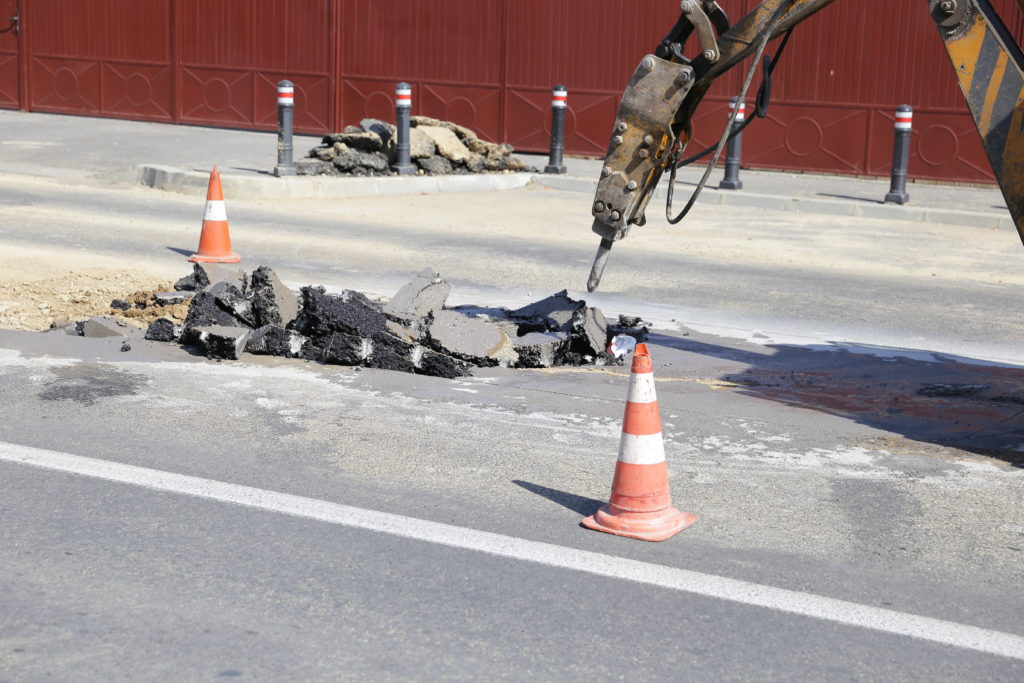 S-a surpat asfaltul pe strada Bariera Vâlcii din Craiova