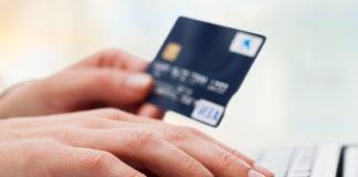 Băncile recomandă clienților să facă plăți online sau cu cardurile contactless
