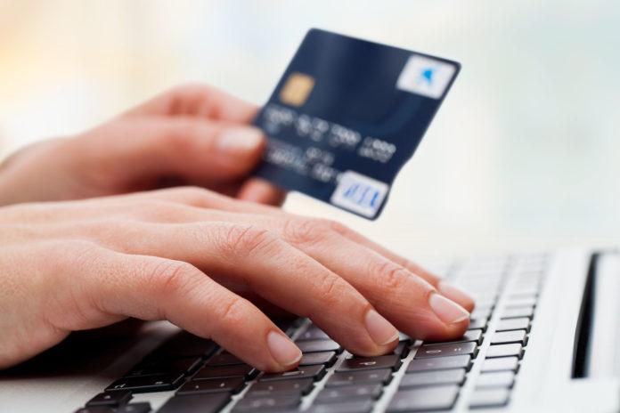 Sâmbătă se vor aplica noile reguli la plata cu cardul