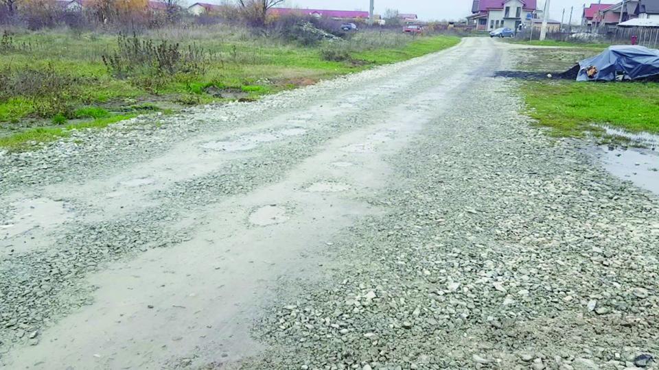 Asfaltarea drumurilor de pământ ar putea începe anul acesta