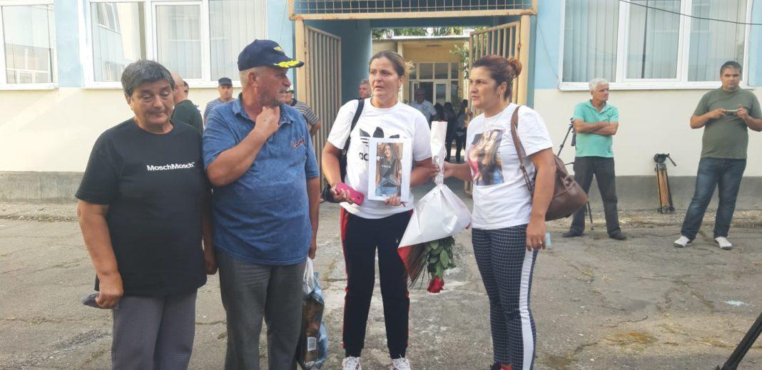 Familia Luizei Melencu cere instanţei să nu fie vândute maşinile lui Dincă și consideră că acestea sunt probe în dosarul crimelor