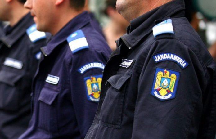 Jandarmii din Caracal şi-au făcut selfie cu doi tineri evadaţi