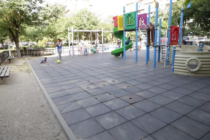 Aparatele de fitness au dispărut de la locul de joacă din cartierul Rovine