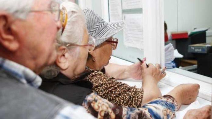 Cinci milioane de pensionari vor avea cu 15% mai mult la pensii începând de astăzi