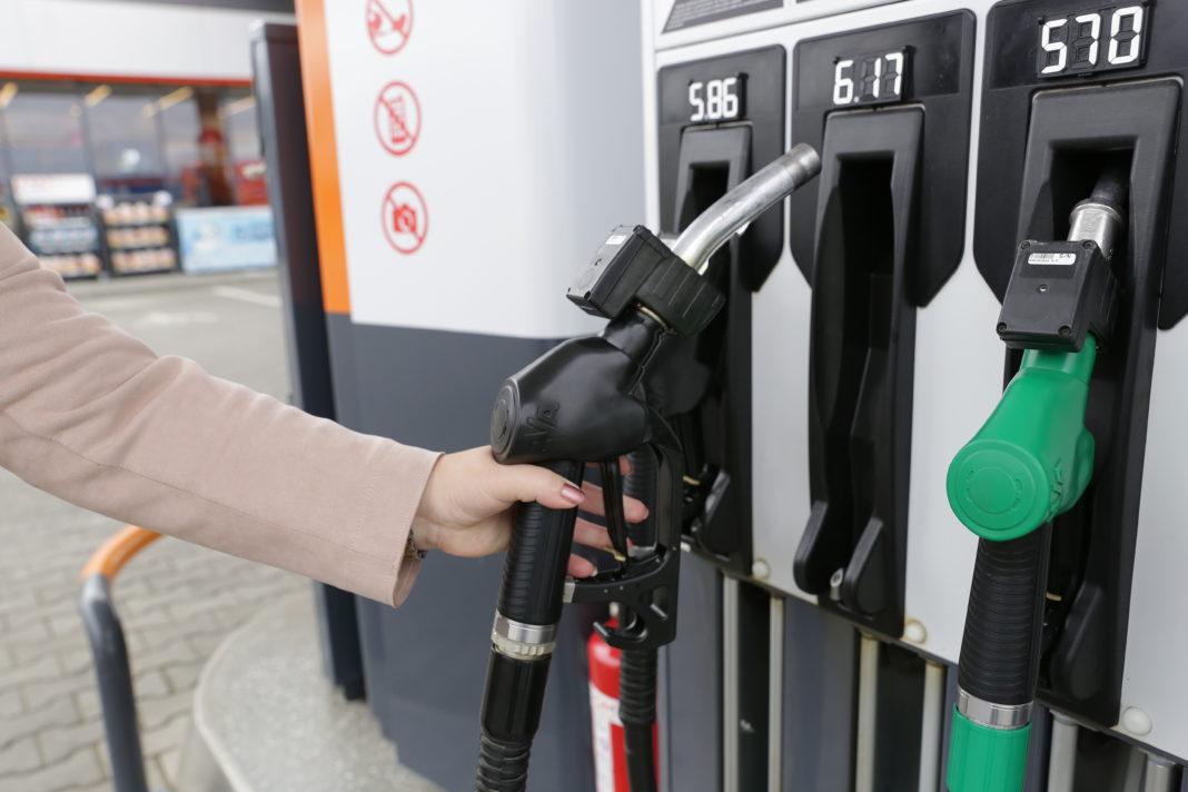 România este cea mai ieftină piaţă de carburanţi din Uniunea Europeană
