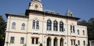 Prefectura Gorj nu primeşte la timp actele primăriilor