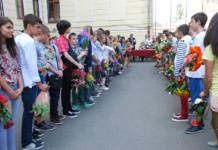 Ce a cerut o profesoară din Buzău să primească în loc de flori