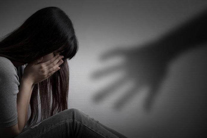 Tânăr acuzat de proxenetism, prins la Craiova