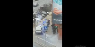 Mașină atacată în trafic de suporteri
