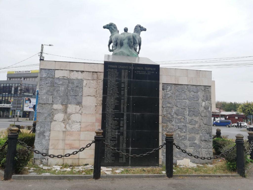 """Statuia de la intarea în Parcul """"Nicolae Romanescu"""" va avea un alt soclu. Zona se va transforma într-o piaţetă."""