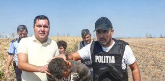Suspectul a fost prins de poliţişti pe un câmp, în apropiere de localitatea Terpeziţa.