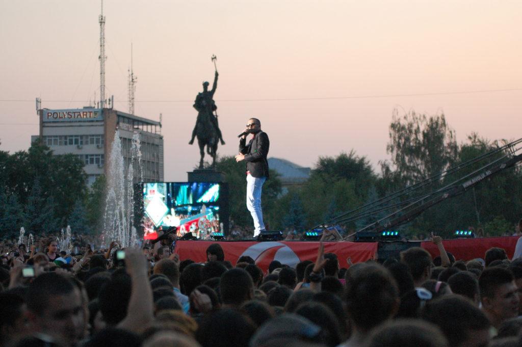 """Scenă de 120.000 de euro la """"The Artist Awards"""""""