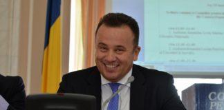 """Liviu Pop: Din 2011, Ministerul Educației este condus de """"baronii manualelor"""""""