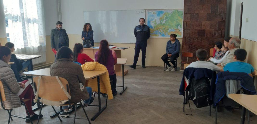De mâine încep școlile și grădinițele în toată țara, iar polițiștii români vin cu sfaturi în întâmpinarea elevilor și a părinților.