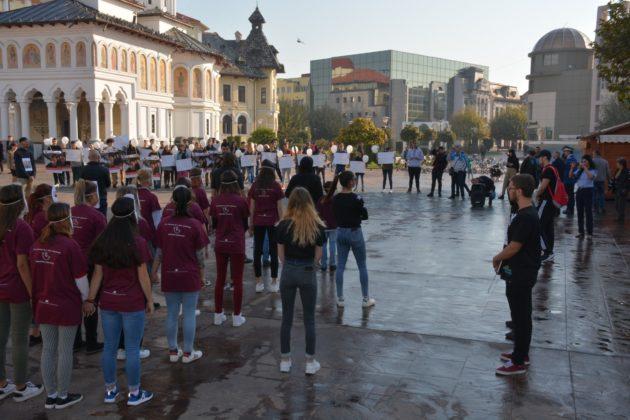 Copiii din Târgu Jiu au protestat împotriva traficului de persoane