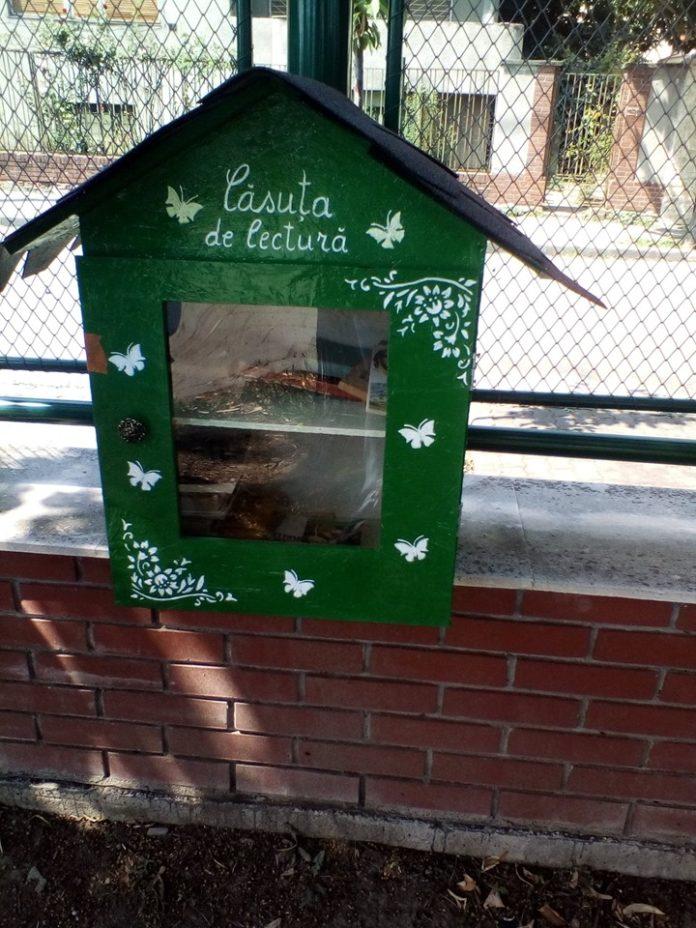 Casele cu cărți sunt și la Rovinari