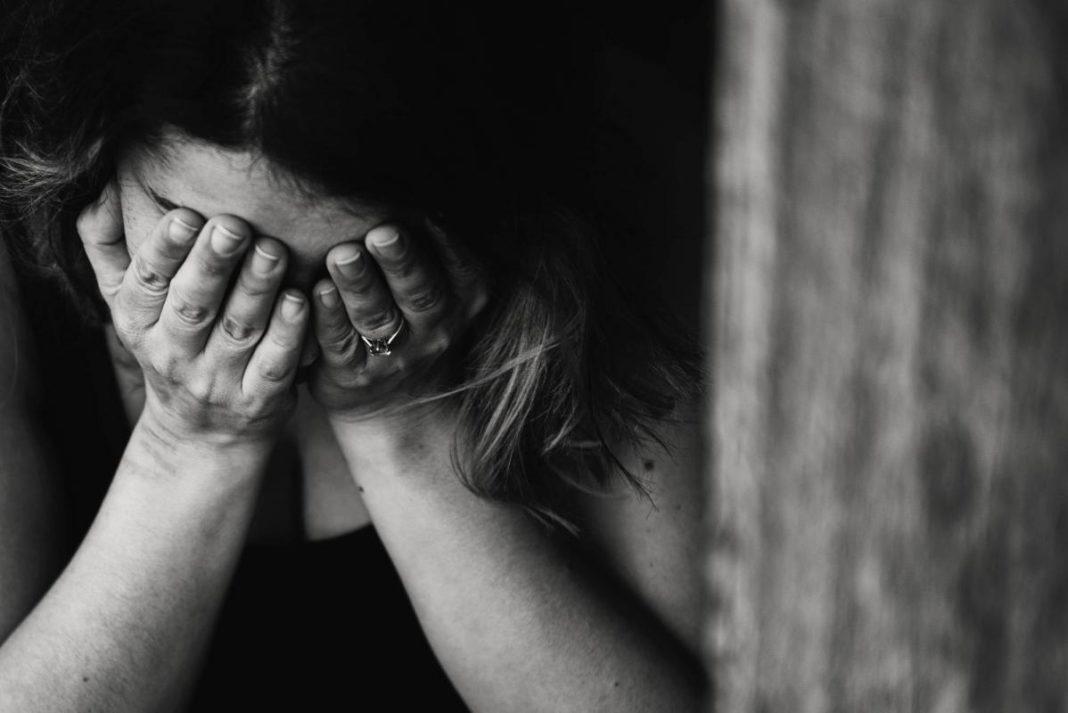 Nouă cetăţeni români prinşi în Franţa pentru trafic de persoane